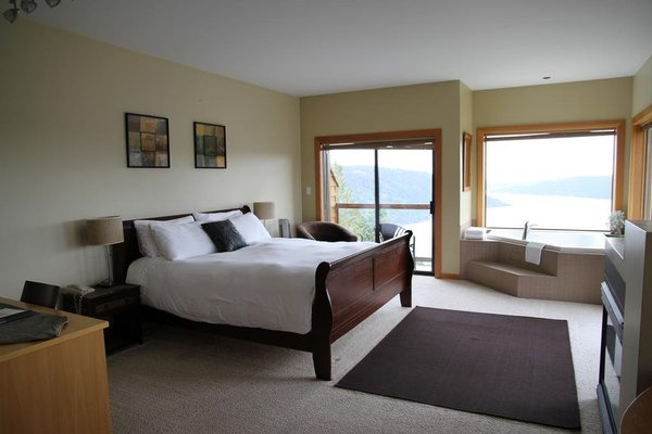 Moon Water Lodge - фото 2