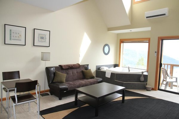 Moon Water Lodge - фото 7