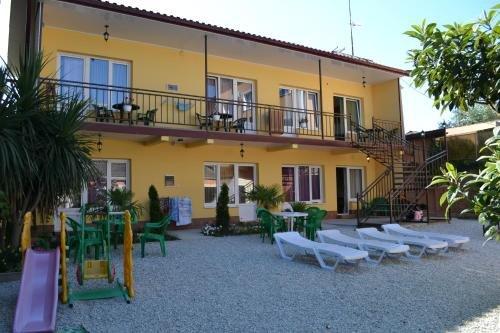 Мини-отель Солнечный дворик - фото 1
