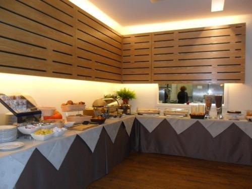 Hotel Husa De La Couronne Liege - фото 11
