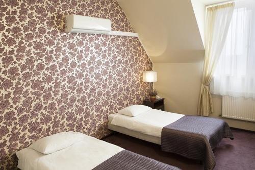 Hotel Pod Kasztanami - фото 1