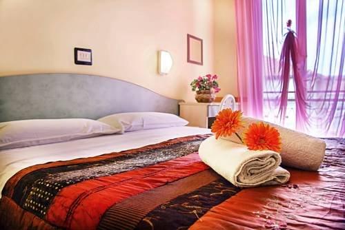 Hotel Vittorio Veneto Rimini - фото 4