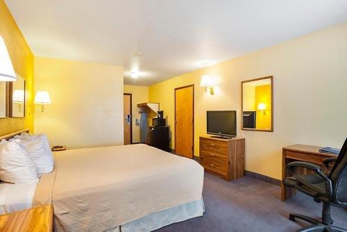 Photo of Rodeway Inn & Suites Blanding