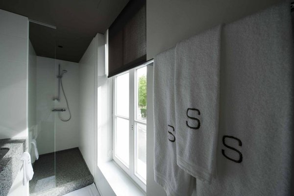 Square Hotel - фото 9