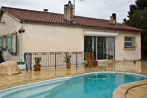 Гостиница «L'oustaou», Ла Гард