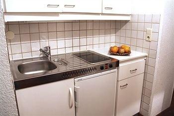 CheckVienna - Edelhof Apartments - фото 20