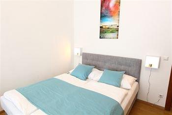 CheckVienna - Edelhof Apartments - фото 7