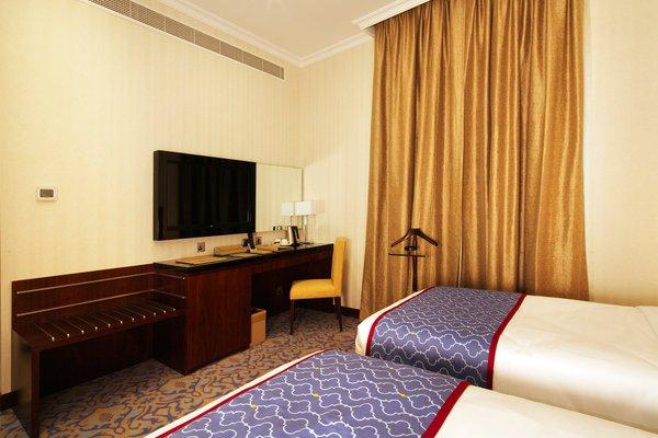 Raviz Center Point Hotel - фото 1