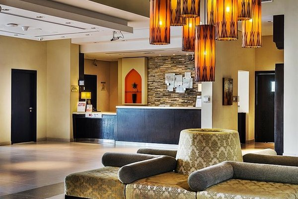Holiday Inn Express Dubai, Jumeirah - фото 11