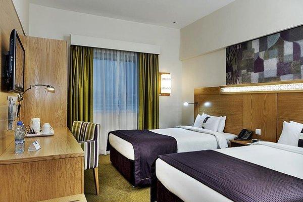 Holiday Inn Express Dubai, Jumeirah - фото 2