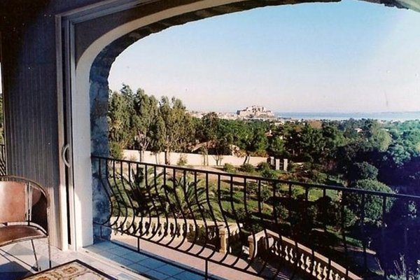 The Manor - фото 16
