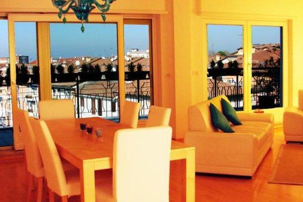 Гостиница «Terrazze Sul Porto», Градо