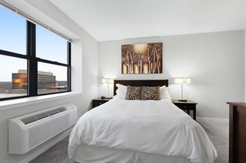 Photo of Global Luxury Suites at Monroe