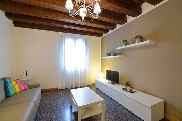 Madame V Apartments - фото 19