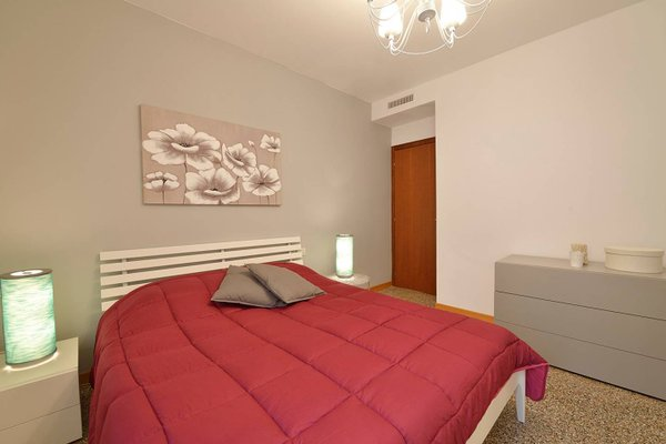 Madame V Apartments - фото 9