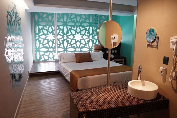Hotel Amala - фото 1