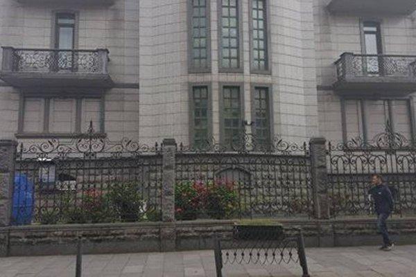 Elene's Apartment in Old Batumi - фото 7