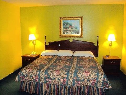 Photo of Country Hearth Inn & Suites Bowling Green