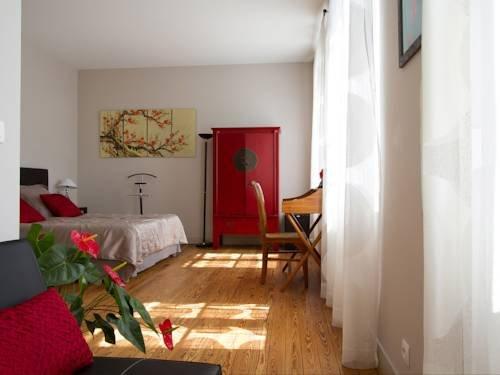 Villa Saint Genes - Chambres et Table d'hotes - фото 5