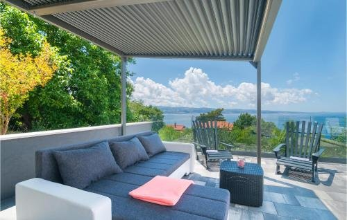 Holiday home Omis 41 with Outdoor Swimmingpool - фото 11