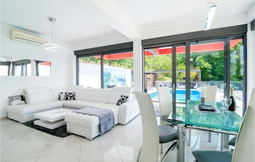 Holiday home Omis 41 with Outdoor Swimmingpool - фото 18