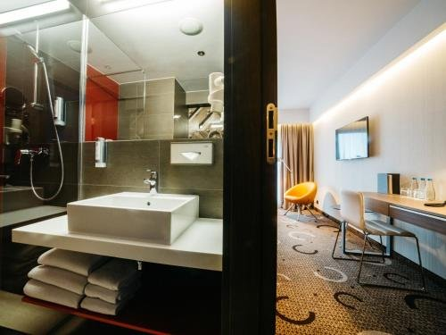 Q Hotel Plus Krakow - фото 8