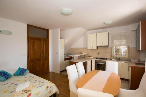 Peline Apartments - фото 1