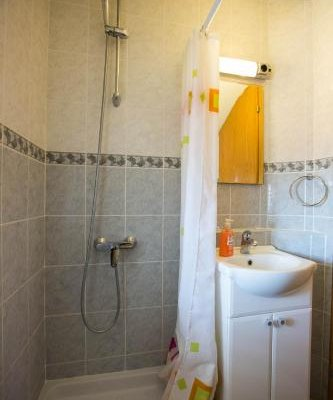 Peline Apartments - фото 8