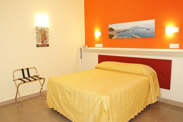 Capodichino International Hotel - фото 1