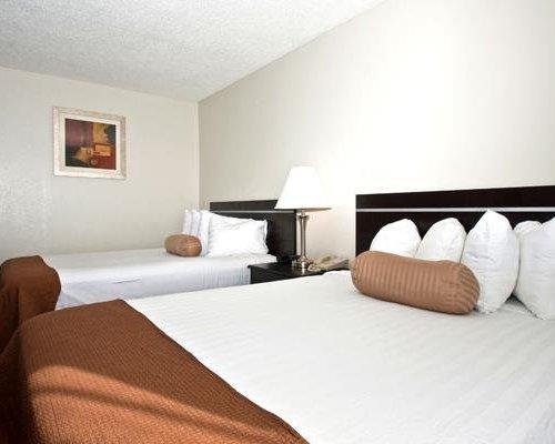 Photo of Best Western Mount Pleasant Inn