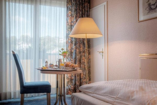 Ambassador Hotel Bosten - фото 50