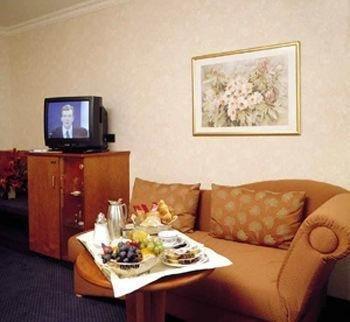 Ambassador Hotel Bosten - фото 5