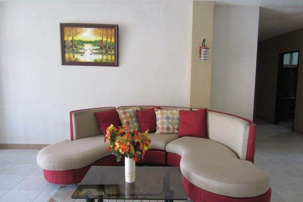 Гостиница «Aica Suites», Генерал-Сантос