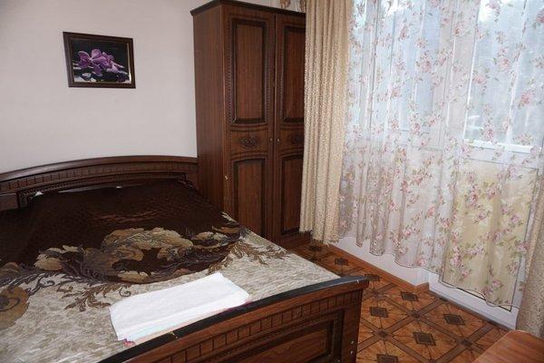 Zelyonyye Fonariki Guest House - фото 1