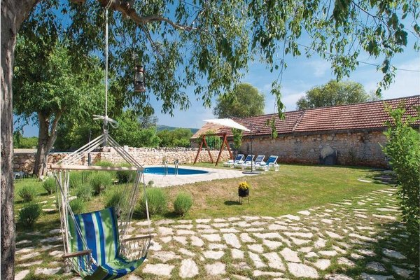 Holiday home Lozovac with Outdoor Swimming Pool 441 - фото 12