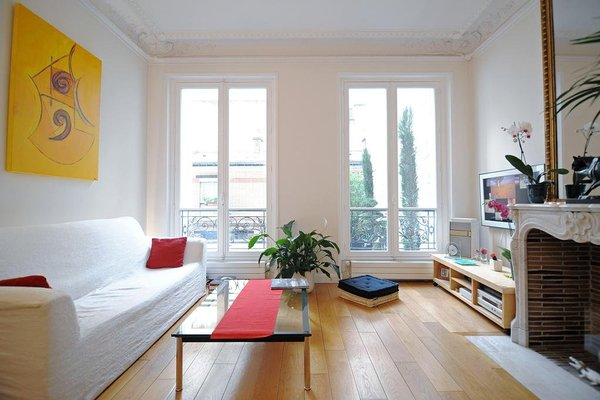 Champs Elysees Homestay - фото 4