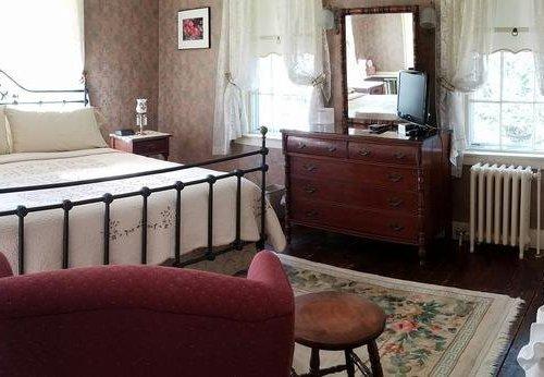 Photo of Centennial House