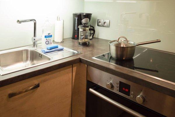 Modern Apartment Vsehrdova - фото 16