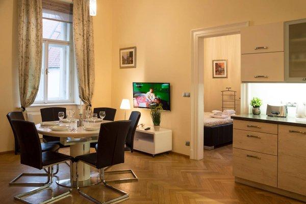 Modern Apartment Vsehrdova - фото 6