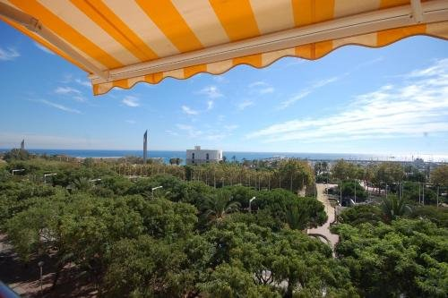 Lets Holidays Apartment Sea Views in Barcelona - фото 21