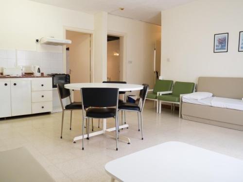 Huli Hotel & Apartments - фото 9