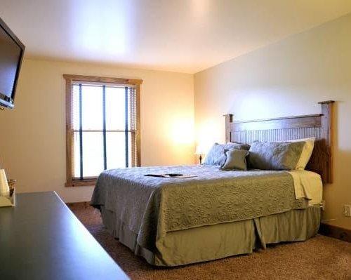 Photo of Elkhorn Mountain Inn