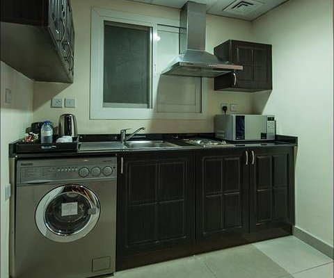 Emirates Grand Hotel Apartments - фото 10