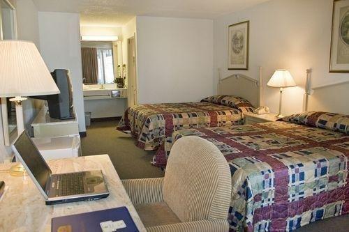 Photo of Bestway Inn - Madison