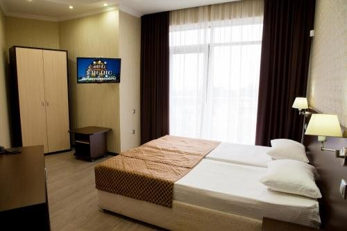 Hotel Encino - фото 1