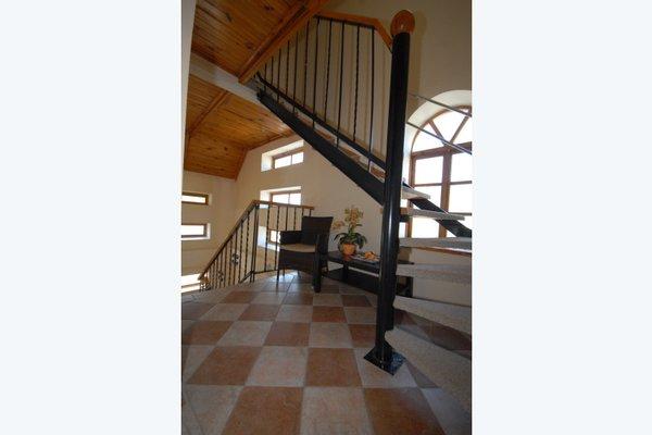 Black Cat Guest House - фото 10