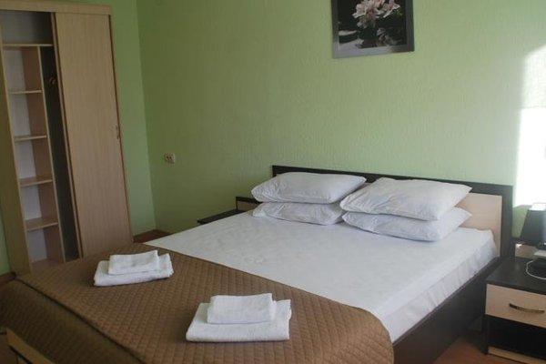 Omega-Briz Hotel - фото 2