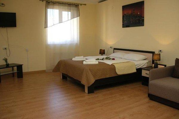 Omega-Briz Hotel - фото 3