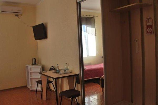 Omega-Briz Hotel - фото 4