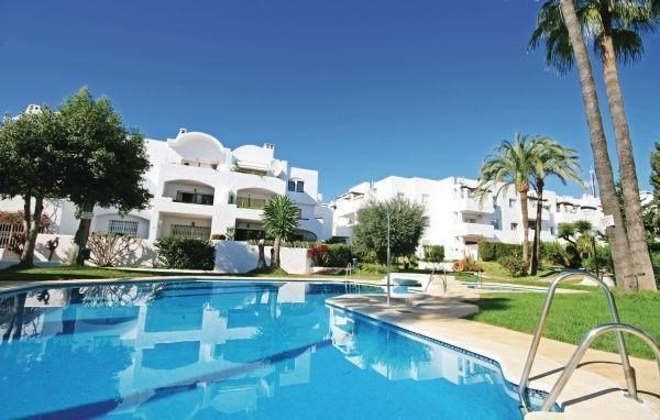 Two-Bedroom Apartment Estepona with an Outdoor Swimming Pool 09 - фото 14
